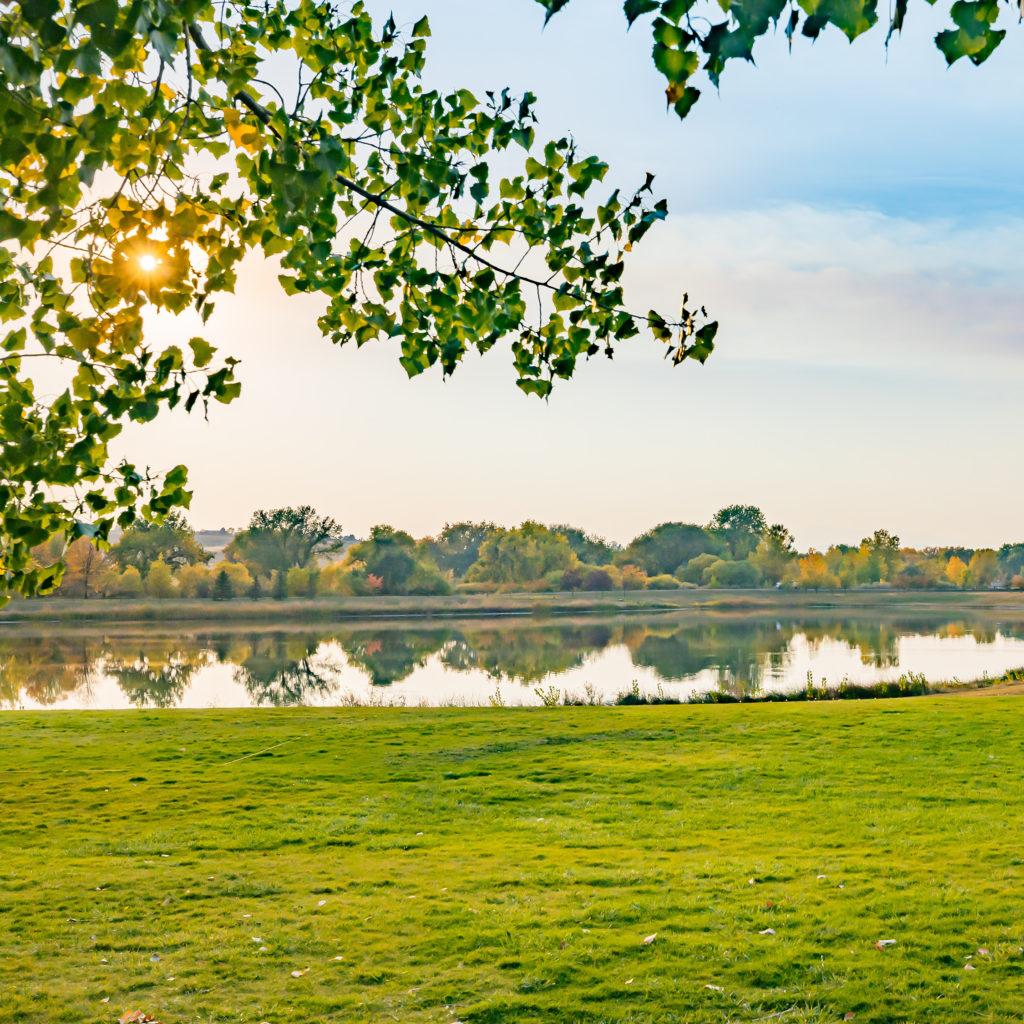 Ells-square-campus-lake